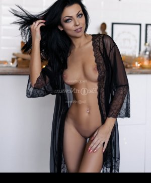 Meyriam erotic massage in Fairview Shores FL