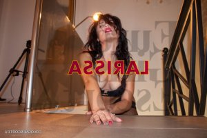 Raluca happy ending massage
