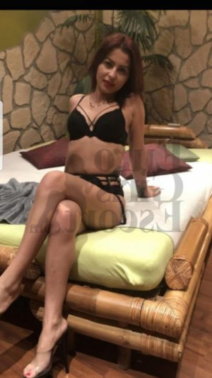 Kattia nuru massage