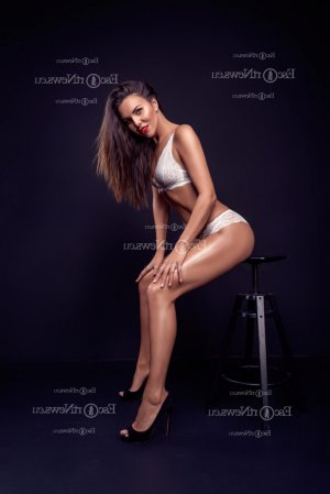 Fidan erotic massage