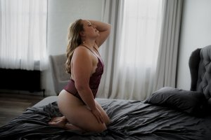 Aelita nuru massage in Moline